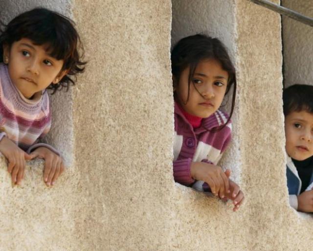 63309-palestinian-children-watch-the-funeral-of-islamic-jihad-militant-jalal